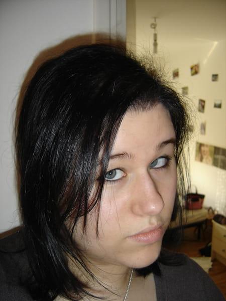 Estelle lecomte 27 ans compi gne noisy le grand for Salon 2000 compiegne