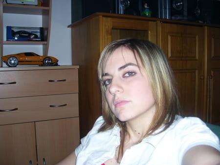 Alexandra romanet 26 ans salon de provence copains d - College jean bernard salon de provence ...