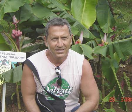 Michel lazes 62 ans aix en provence salon de provence for Sporting club salonais