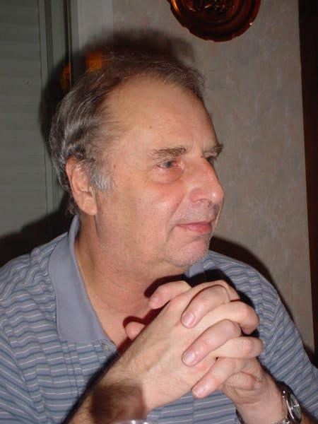 Jean claude dujardin 69 ans petit couronne saint for Contacter jean dujardin