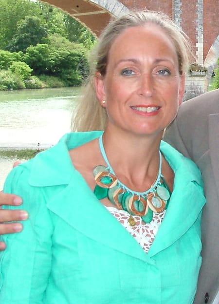 Anne ROUX (QUEVREMONT), 55 ans (BOIS DARCY, LE GRAND  ~ Docteur Roux Bois D Arcy