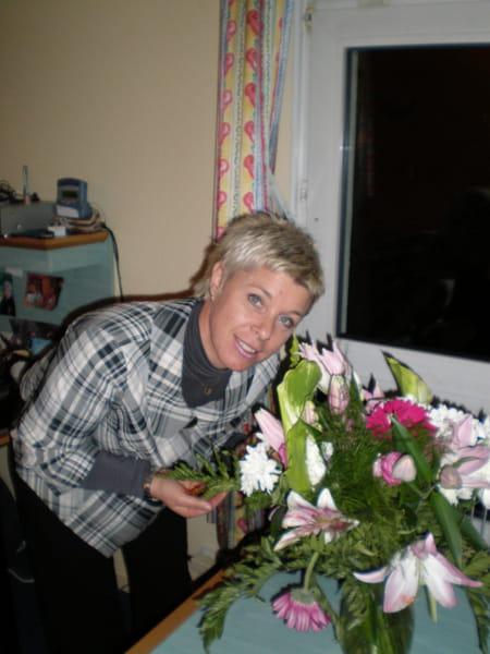 Corinne terenzi durandeau 54 ans saint mitre les for Hsbc salon de provence