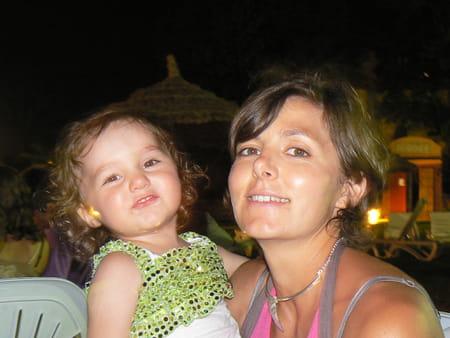 Marie cassan 38 ans velaux millau aix en provence for Centre radiologie salon de provence