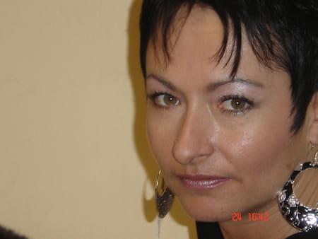 Karine DOLE (TREMINTIN) 48 ans (ANDRESY CAEN) - Copains du0026#39;avant