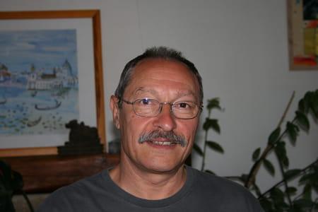 Michel daumarie 65 ans salon de provence antibes for Axa salon de provence