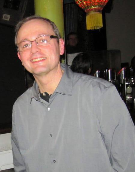 Pascal poulain 50 ans fontainebleau paris copains d for Pascal poulain