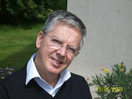 Yvon LEDUFF (GUIPAVAS, SAINT POL DE LEON, BREST) - Copains d avant df63abb7937b