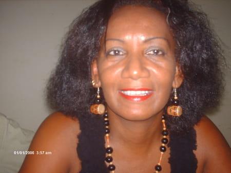 Aurore stanislas 52 ans sainte rose stains copains d - Prenom stanislas ...