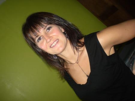 Caroline christophe 43 ans chaville colombes for Garage marceau colombes avis