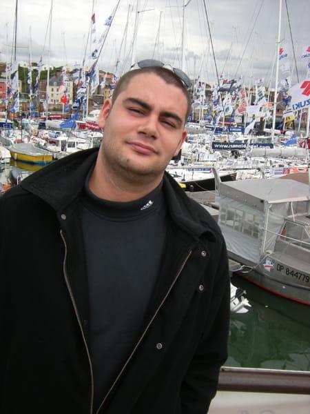 Mehdi JOUBERT, 30 ans (BOIS GUILLAUME, ROUEN) Copains d'avant # Super U Bois Guillaume