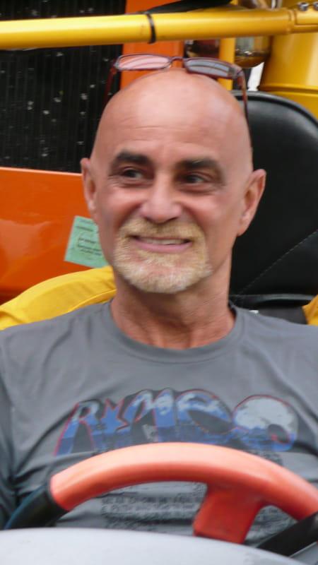 Yves vadell 62 ans aix en provence salon de provence for Sporting club salonais