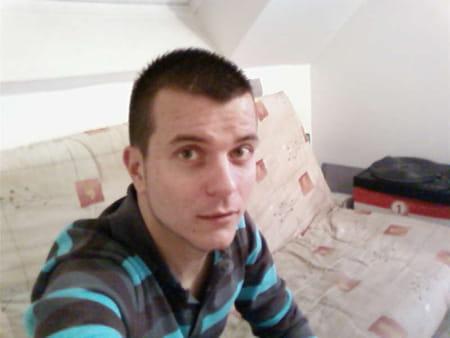 mickael bernard 35 ans lizy sur ourcq neuilly plaisance. Black Bedroom Furniture Sets. Home Design Ideas