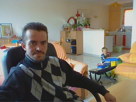 sebastien pav 42 ans oisseau le petit alencon vannes copains d 39 avant. Black Bedroom Furniture Sets. Home Design Ideas