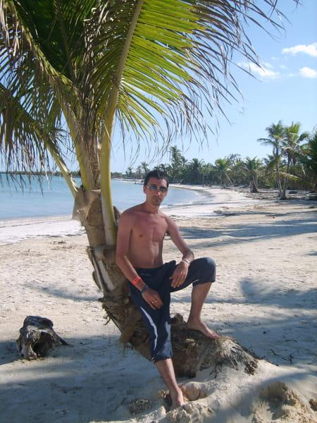 Remi ESTECONDO, 34 ans (NEUILLY PLAISANCE, ROISSY AEROPORT