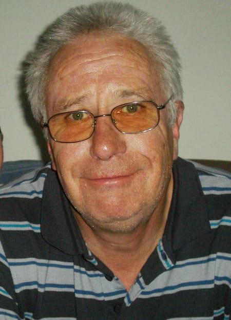 Pierre taisne 69 ans sonnac paris copains d 39 avant for Garage recherche apprenti mecanicien