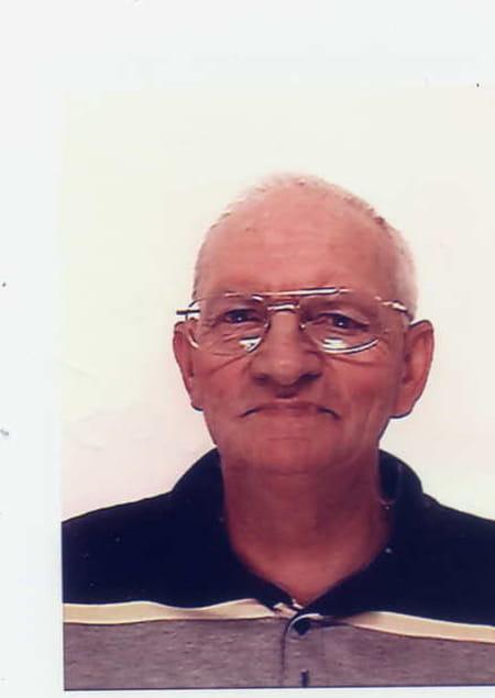 bernard peutot 71 ans chaumont la ville ancerville troyes copains d 39 avant. Black Bedroom Furniture Sets. Home Design Ideas
