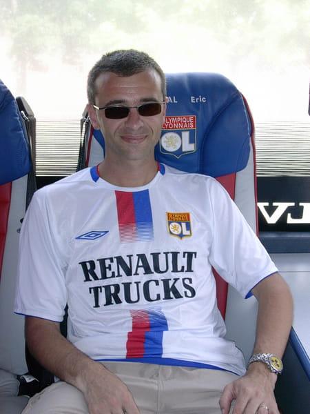 Eric lhopital 45 ans yzeron lyon villefranche sur for Cuisinella craponne