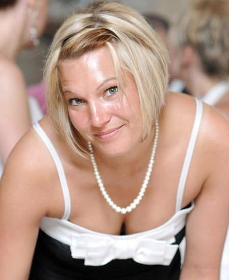 Lydia duflot 33 ans compiegne copains d 39 avant for Salon 2000 compiegne