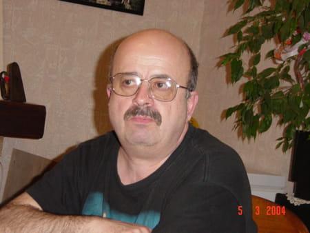 Jean michel pigou 67 ans les ulis copains d 39 avant for Garage auto service les ulis