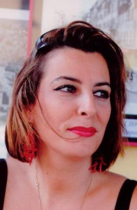 Emmanuelle causse 47 ans ajaccio ajaccio copains d 39 avant for Buro ajaccio