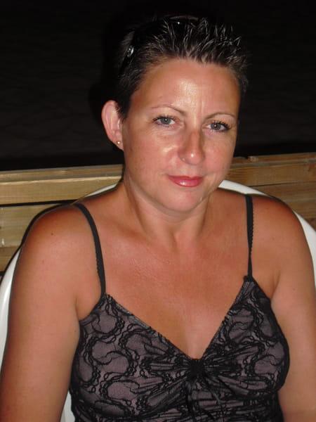 Corinne boulinguez 47 ans suresnes lens copains d 39 avant for Pronote college jean moulin salon