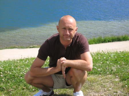 Antoine benoit 44 ans toulon grenoble copains d 39 avant for Pizza antoine salon