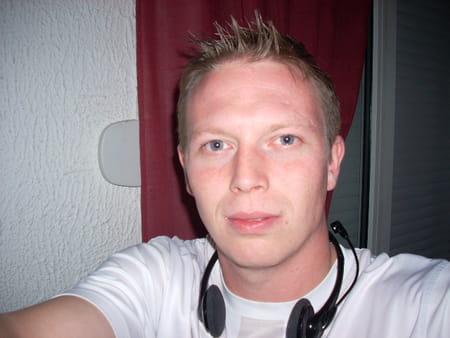 Geoffrey tourbez 32 ans carvin lille copains d 39 avant - Geoffrey prenom ...