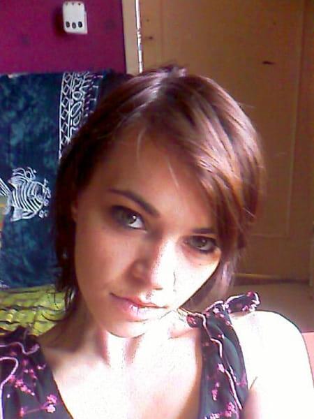Priscilla moreews 32 ans verberie compiegne copains for Salon 2000 compiegne