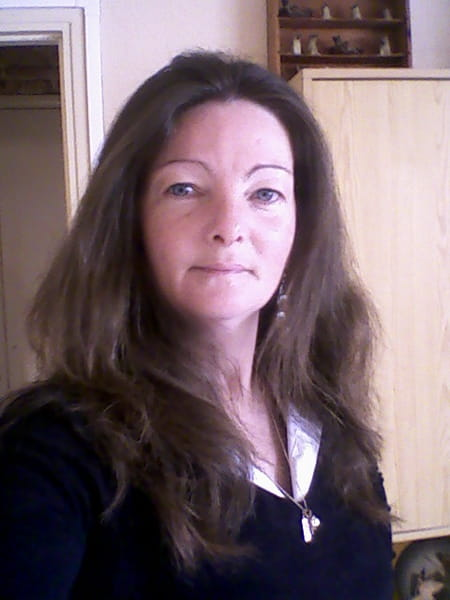 Delphine tasserie 44 ans ivry la bataille copains d 39 avant for Delphine bataille