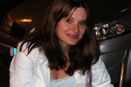 Stephanie brandao bruere 38 ans canly compiegne for Salon 2000 compiegne